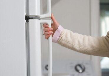 Как поменять уплотнительную резинку на холодильнике