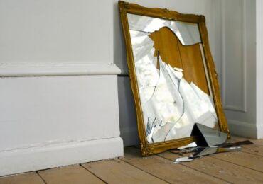 Как правильно выбросить зеркало из дома