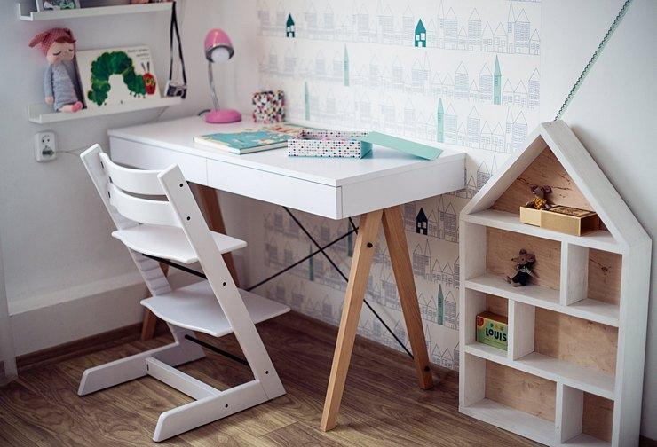 Как правильно подобрать письменный стол для ребенка
