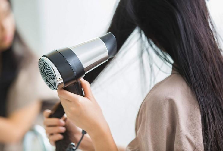 Как сушить волосы, чтобы они не распушились