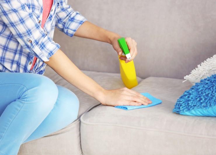 Как убрать жвачку с дивана