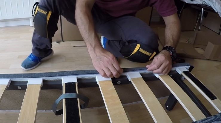 Как избежать скрипа дивана