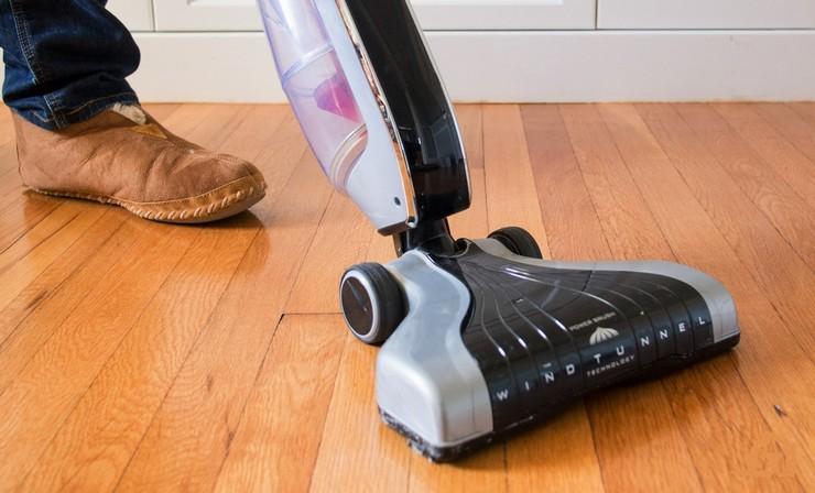 Какой ламинат выдерживает воздействие моющего пылесоса