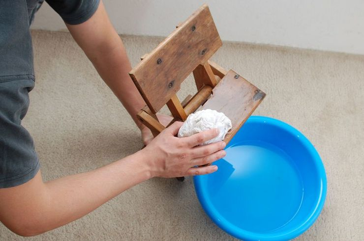 Как почистить стул из дерева в домашних условиях