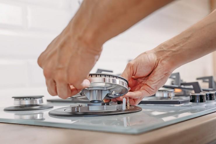 Почему может щелкать электроподжиг газовой плиты