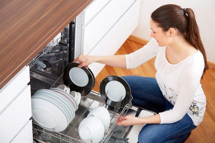 Плюсы и минусы подключения посудомойки к горячей воде