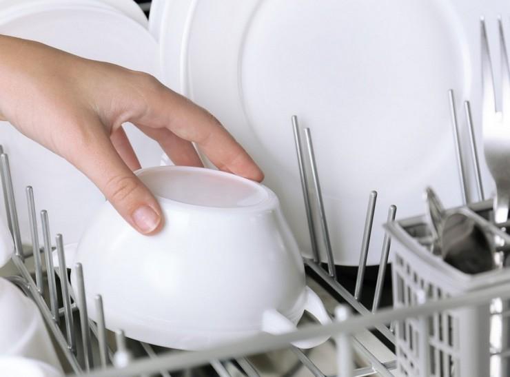 Почему посудомойка не сушит посуду