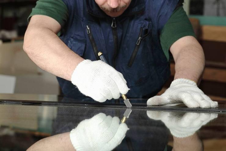 Процесс изготовления зеркала из стекла