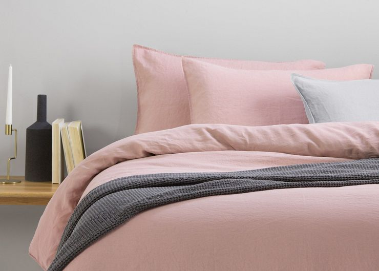 Выбираем подходящее покрывало для кровати в спальню