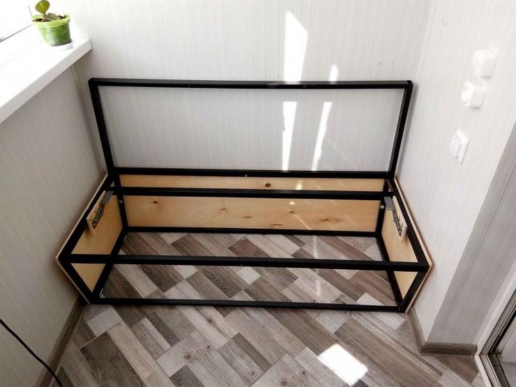 Процесс изготовления дивана на балкон