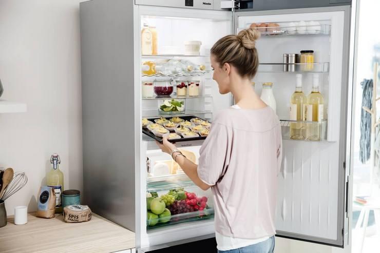 Цикличность работы включённых холодильников разных моделей