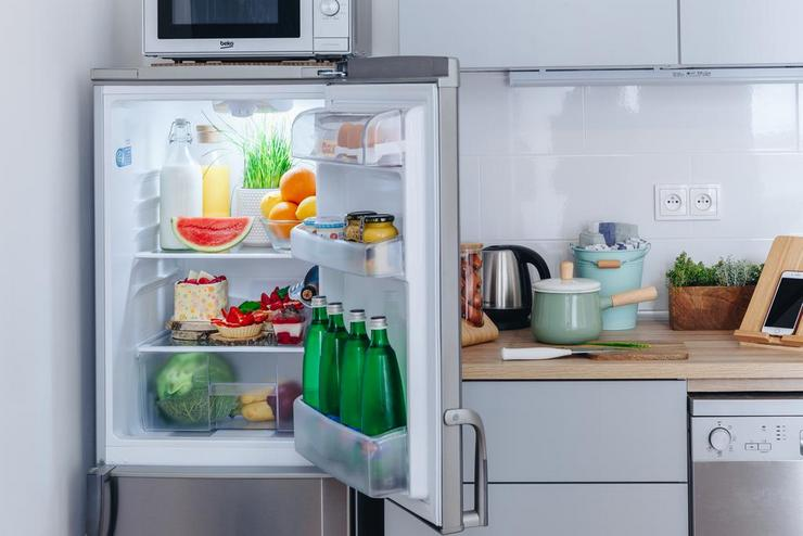 Через какое время должен отключаться холодильник