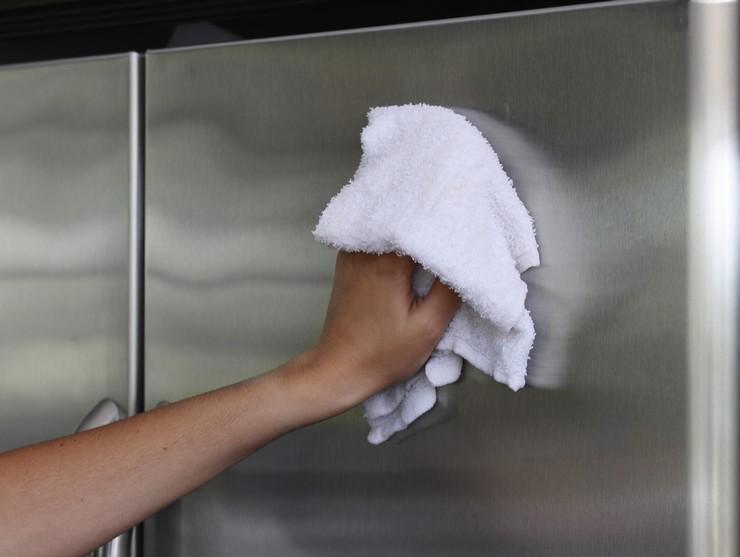 Как убрать вмятину на холодильнике