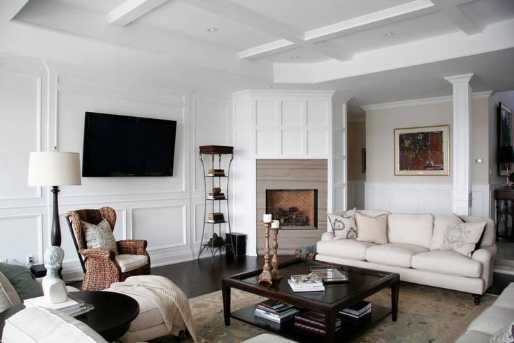 Оформление стены с телевизором в гостиной фото