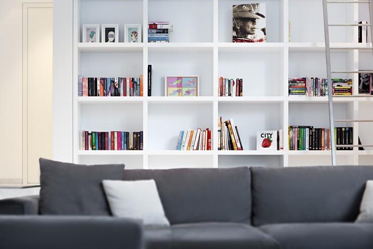 Оформления книг на стеллажах