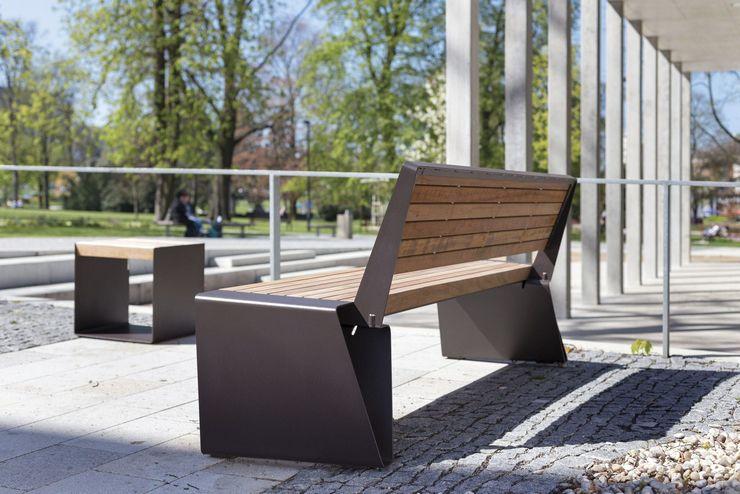 Скамейка, сделанная из качественного чугуна