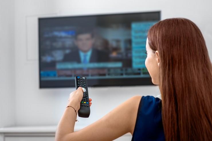Как смотреть телевизор без антенны и кабеля