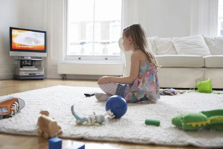 Сколько можно смотреть телевизор без вреда