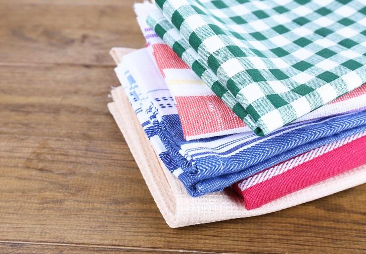 Советы, как просто и безопасно отстирать кухонные полотенца с помощью микроволновки