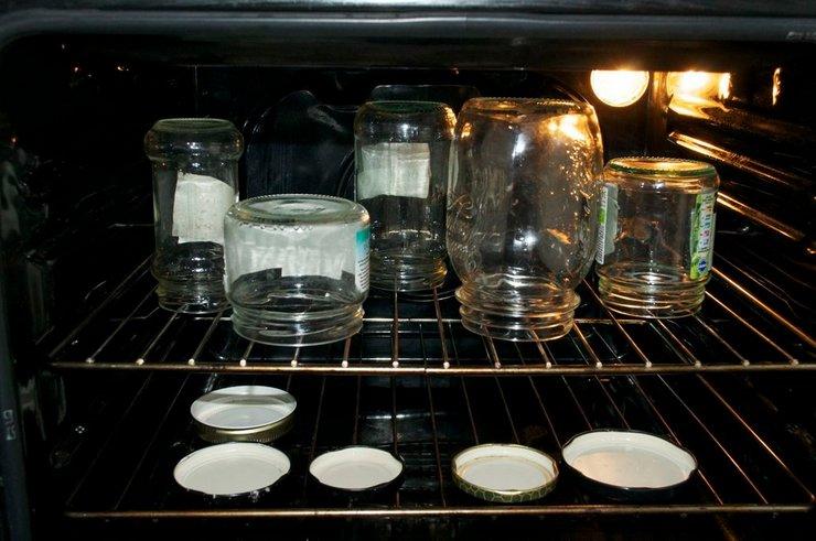 Как простерилизовать банки в духовке