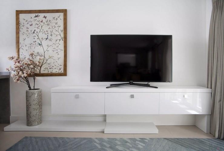 Преимущества установки тумб под телевизор