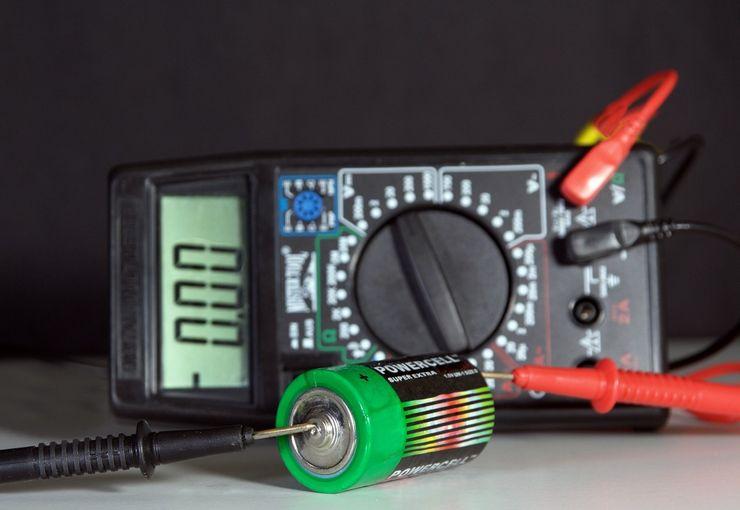 Способ проверки батарейки тестером