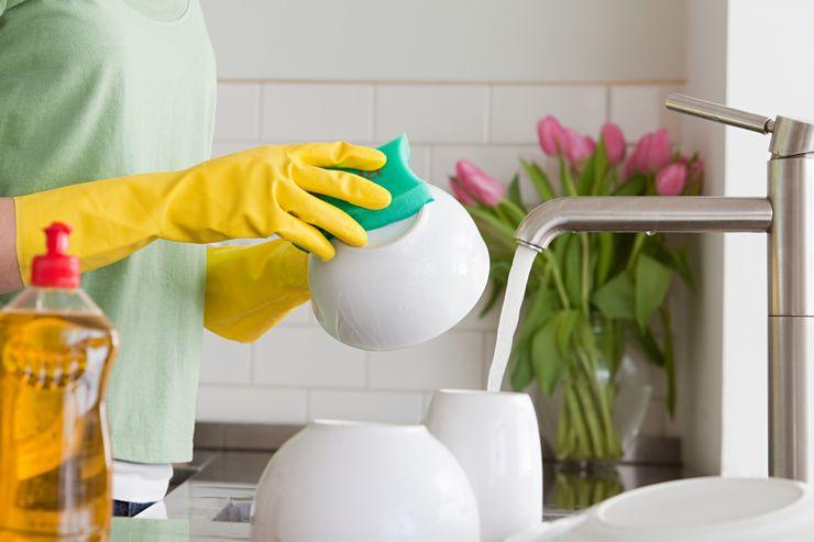 Какие средства помогут быстро вымыть посуду