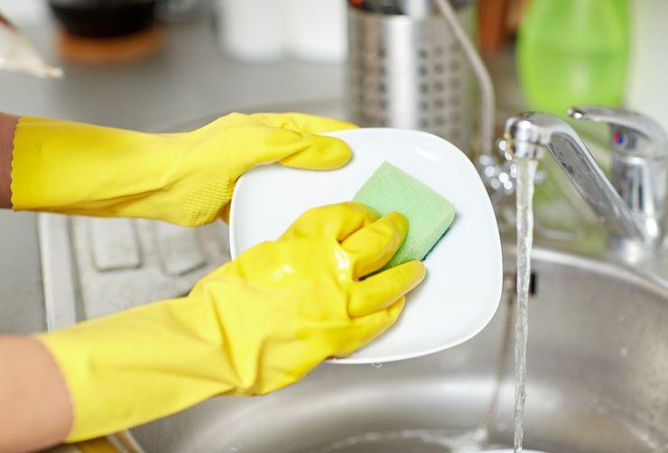 Мытьё посуды вручную