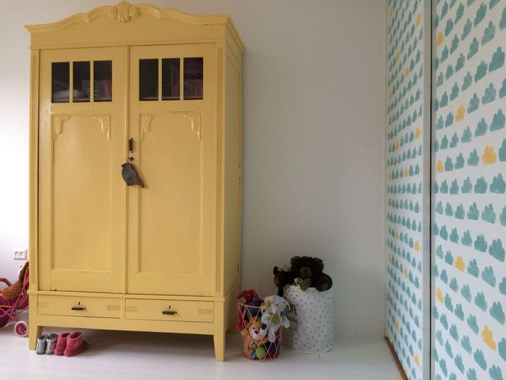 Как обновить старый шкаф – покраска