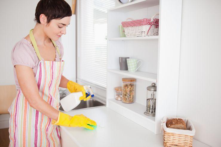 Советы, как легко отмыть жир на кухонных шкафах