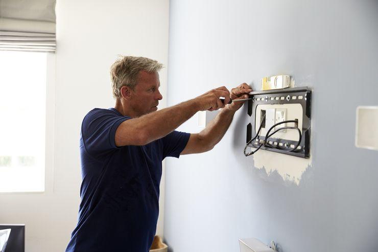 Как спрятать провода от ТВ